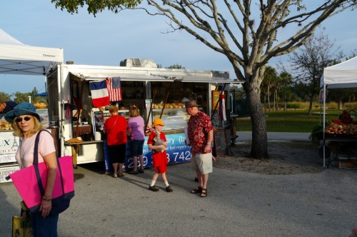 Lakes Park Farmers Market. Ft. Myers, Fla. March 2016. Paul Goldfinger ©