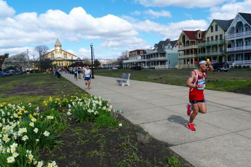 NJ Marathon. Ocean Pathway, Ocean Grove. Paul Goldfinger photo ©