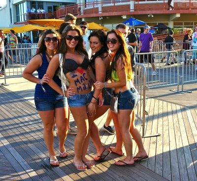 The Blogfinger Girls getting bamboozled on the Asbury boards. By Paul Goldfinger, Blogfinger centerfold photographer