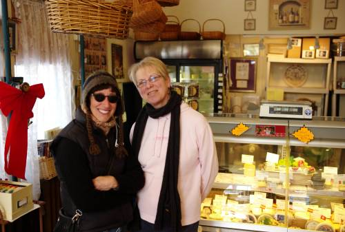 Vicki (L) and Sue. Cheese on Main. Ocean Grove, New Jersey. 2010. By Paul Goldfinger