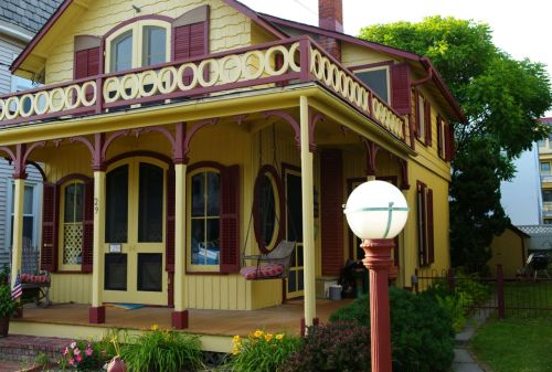 "The ""perfect Victorian cottage"" 29 Bath Avenue PG photo"