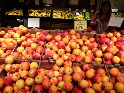 New Jersey peaches. All photos at Delicious Orchards. By Paul Goldfinger ©