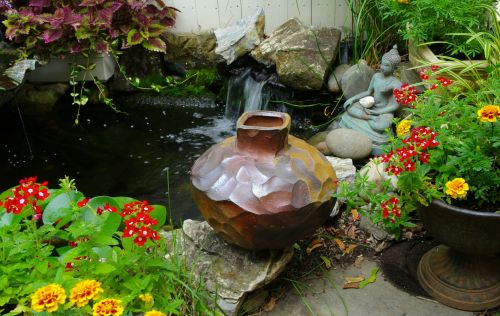 Vase by Michael Marcus. Phtographed in Eileen's Ocean Grove garden. Paul Goldfinger photo ©