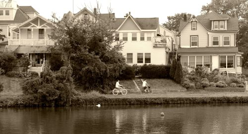 Lake Avenue, Ocean Grove. September 1, 2013. By Paul Goldfinger ©