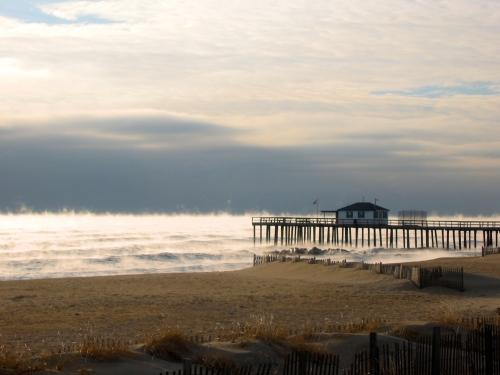 January 10, 2004. Ocean Grove. Morning. 4 degrees F. Paul Goldfinger photo © click left