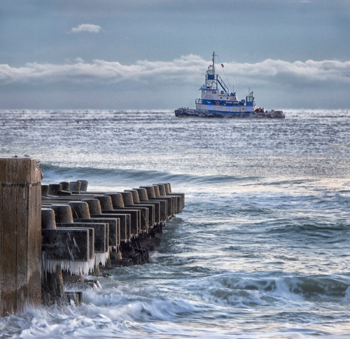 Tug is associated with replenishment project. Photo was taken between OG and Asbury by Bob Bown Special for Blogfinger © Jan 25, 2014