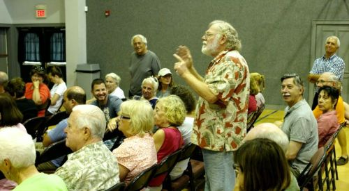 An OG complainer at an HOA meeting.  Let's give him a hand.   Blogfinger photo