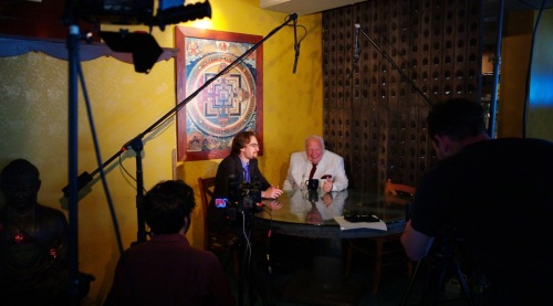 Prior to the concert, J.P. Rasmussen interviews Bucky Pizzarelli . Paul Goldfinger photos. ©