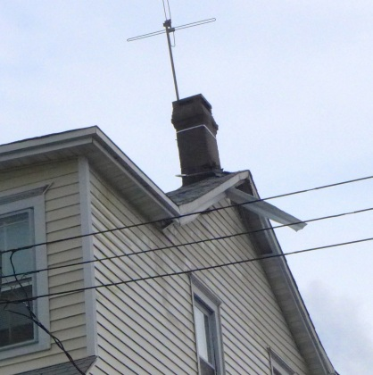Roof and chimney damage at Embury and Central.  Blogfinger photo ©