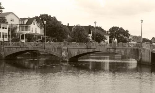Bridge across Wesley Lake looking south. By Paul Goldfinger ©