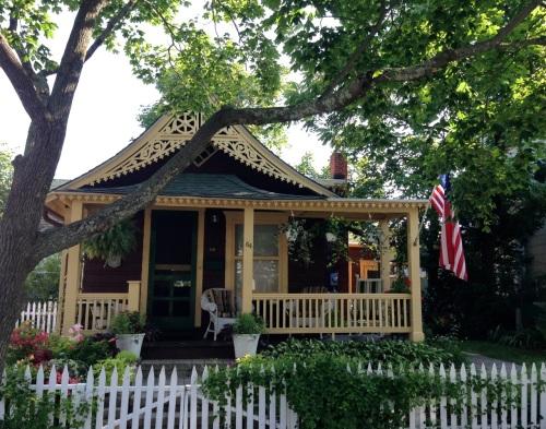 Ocean Grove Cottage.  Blogfinger photo. ©