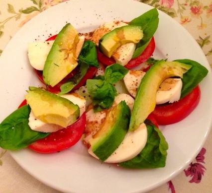 Eileen's 's insalata Caprese with avocado.