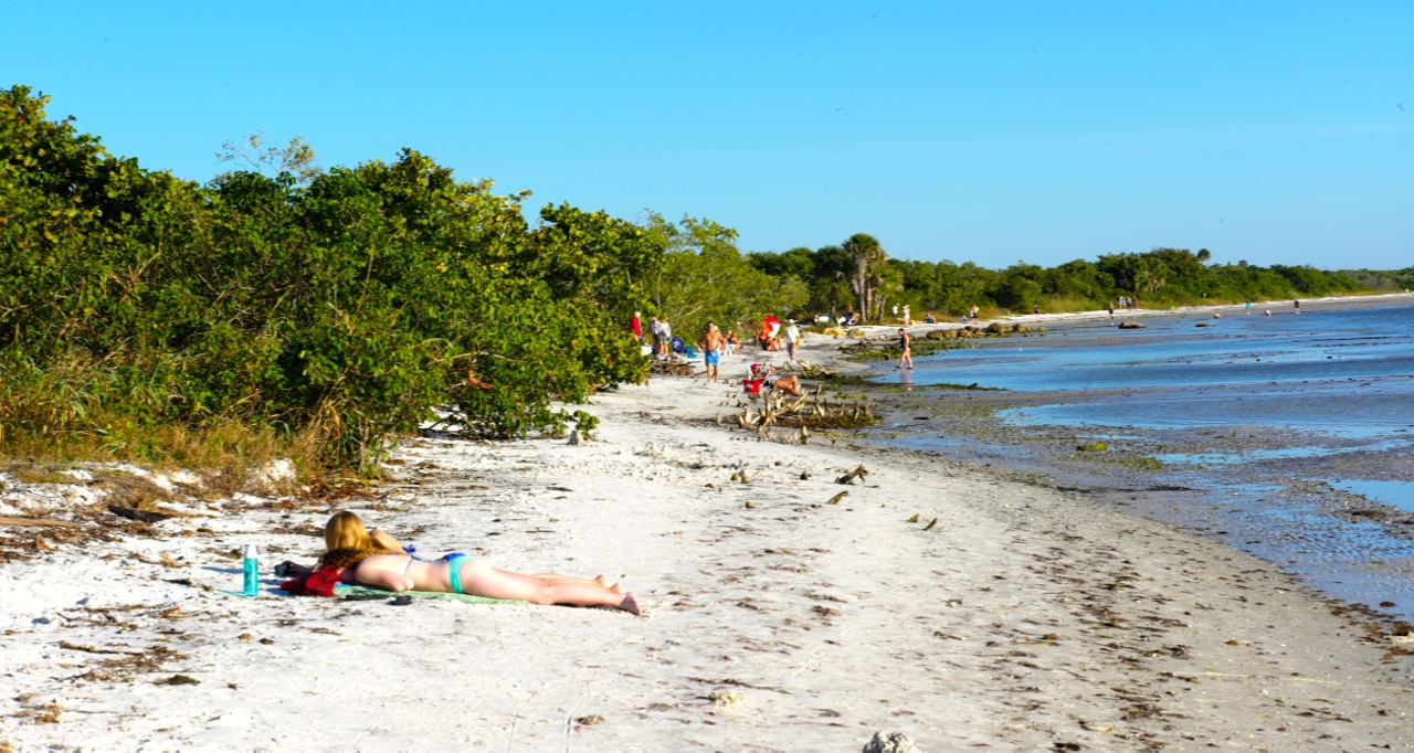 beach lake black dating site Strategically placed along the northern rim of lake okeechobee, florida's inland sea, the city of okeechobee offers visitors an old-fashioned – and truly relaxing – florida vacation.