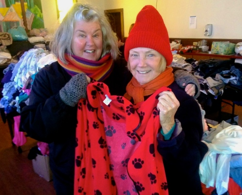 Tinka Goslee (L) and Nonna Hammer at the rummage sale.  Feb. 20,2015.  Photo by Jean Bredin, BF Citizen photographer. ©