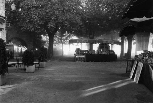 Dordogne region of France. Market day morning. Paul Goldfinger photo ©