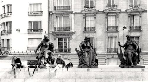 Paris Left Bank, along the River Seine.  Paul Goldfinger photo. ©