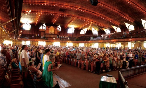 About 3,000 people attended the Sunday service today to hear Tony Campola. ©