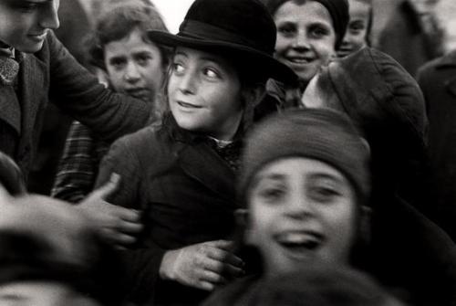 Jewish schoolchildren. Mukacevo, Ukraine. 1935-1938. By Roman Vishniac.
