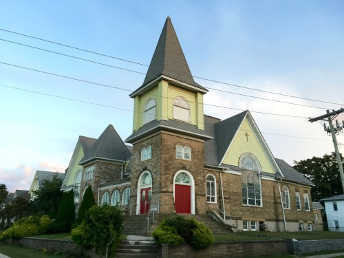 The First United Methodist Church (1886) at the corner of Lareine and Madison Avenues in Bradley Beach. Paul Goldfinger photograph. October, 2015. © The wing shown below is visible along the right edge of the building.