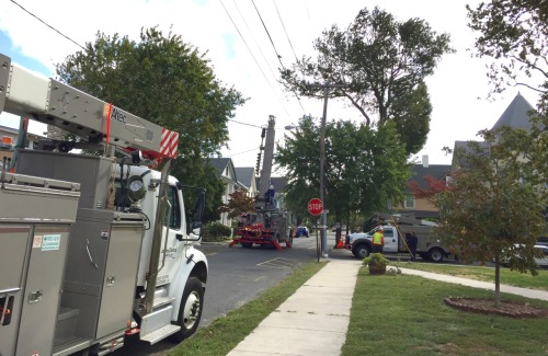 Oct 5, 2015. Mt. Hermon Way Note the bent pole at the corner. Blogfinger breaking news photo. ©