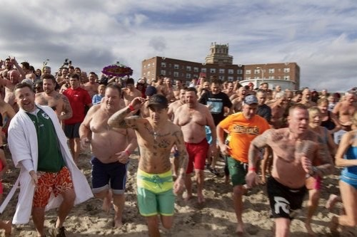 Sons of Ireland Annual Polar Bear Plunge. Asbury Park Press Photo. 1/1/16 ©