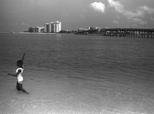 Gulf of Mexico, Ft. Myers, Fla. By Paul Goldfinger. ©