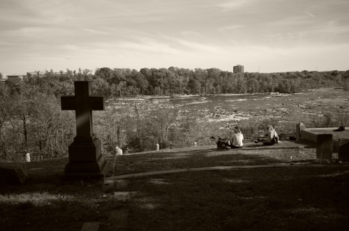 Virginia Tech coeds in Hollywood Cemetery overlooking the James River. Paul Goldfinger photo April, 2016. ©