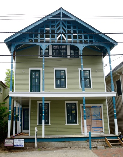#30 McClintock is being  fixed up. It looked similar to this before. But is this sufficiently Victorian?  Blogfinger photo, June 3, 2016.