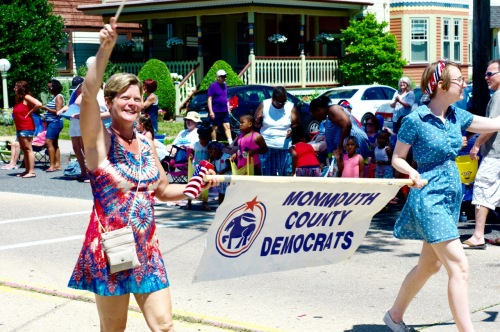 OG July 4 parade. Dems win the first annual center fold competition. Repubs need some cheesecake. Paul Goldfinger photo. 7/4/16 ©