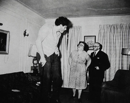 Giant and his parents.  Bronx, NY 1970. ©