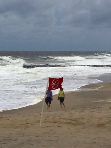 Saturday noon 9/3/16 on the Ocean Grove beach as Hermine blows our way. By Stephen Goldfinger, Blogfinger staff. ©