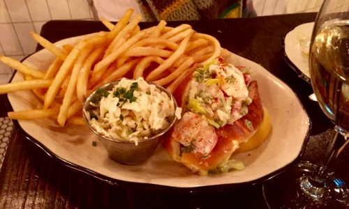 Lobster roll platter. Blogfinger photo. ©