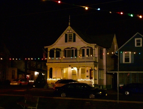 Christmas Eve, 2007. Main Avenue. Ocean Grove, NJ. Paul Goldfinger photo ©.