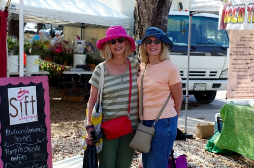 Lake sPark Farmers market: Eileen (L. OG) and Hope (Md.) March 1, 2017 ©